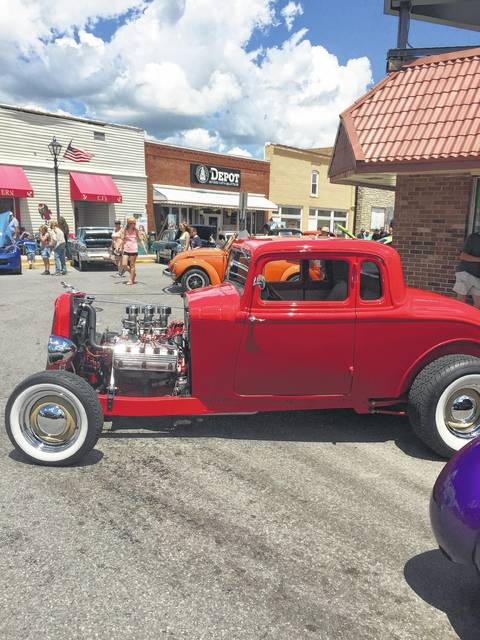 Downtown Lakeview was lined up with tons of really cool show cars on Saturday.