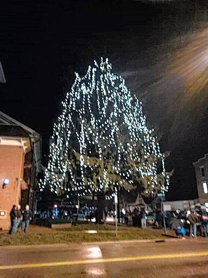 West Liberty Gears Up For Christmas Festivities Weekly Currents