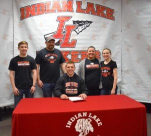 3 IL wrestlers sign letters of intent for college